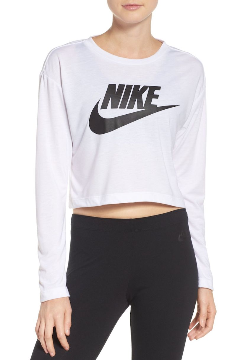 Nike Sportswear Graphic Crop Tee