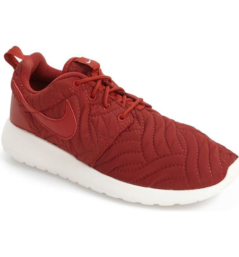 athleisure Nike 'Roshe Run' Print Sneaker